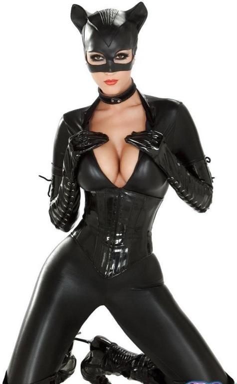 Girls, Who is going to wear sexy clothes for the  Halloween 👻?