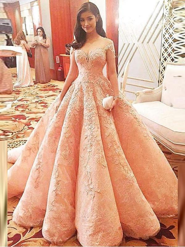 is this dress pretty?