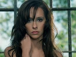 Is Jennifer Love Hewitt not a good actress or has she always been overlooked when It comes to film/TV roles?