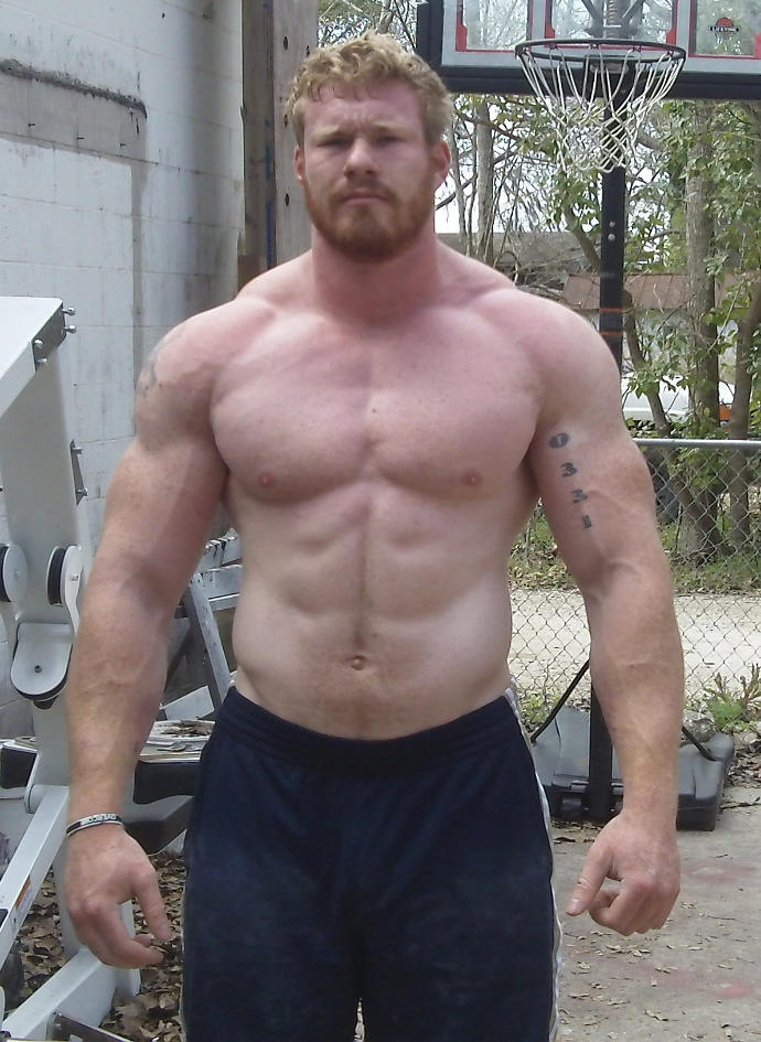 GIRLS, What kind of are more attractive? Muscular Guys or Regular looking guys?