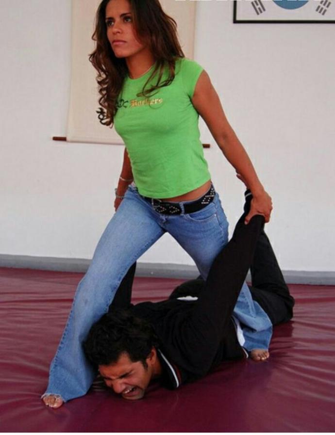 Girls, if you were in a Jiu Jitsu class and you could easily defeat your boyfriend would you think about dumping him?