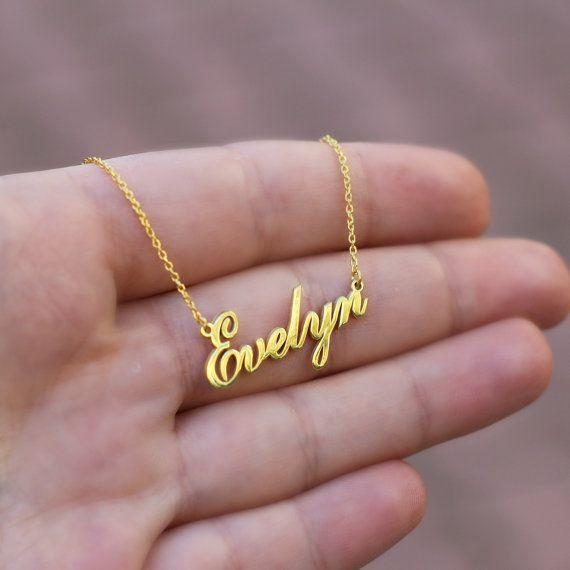 Ladies (Men too), Would you wear a choker or necklace with your SO's name on it?
