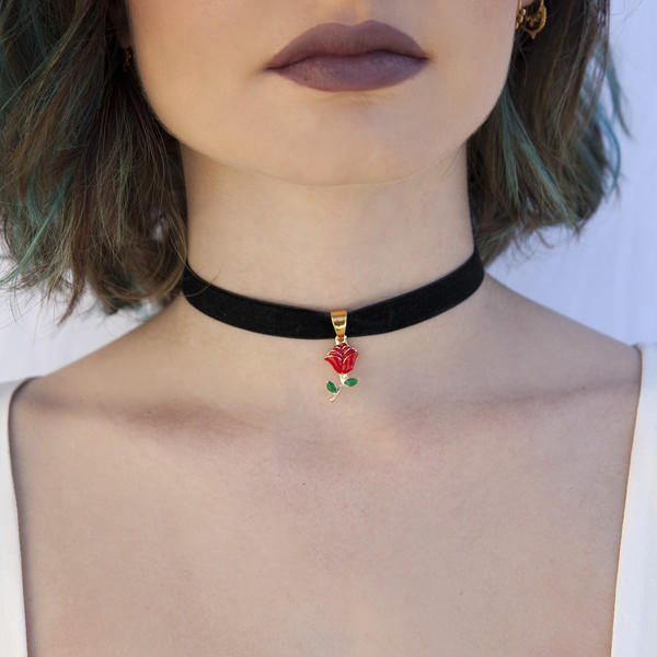 What do you think about choker necklaces?