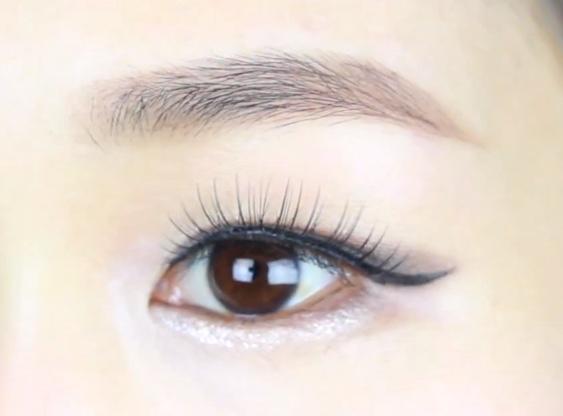 Do guys like sharp shaped eyebrows?