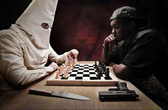 KKK member vs Gangster. Who is more likely to win a chess-match?