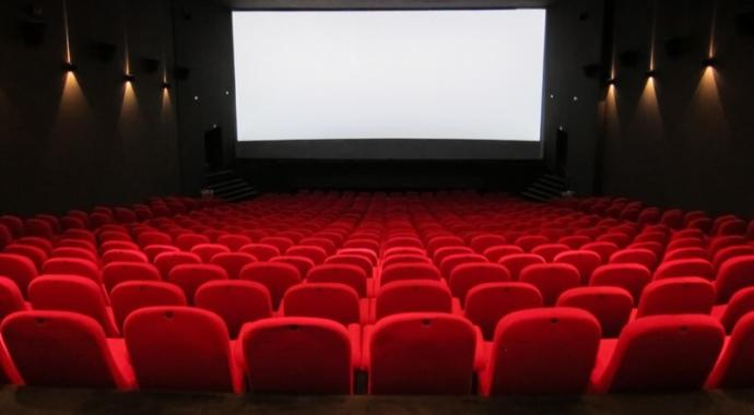 Does anyone else HATE the movie theater?