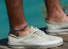 Do guys wear anklets