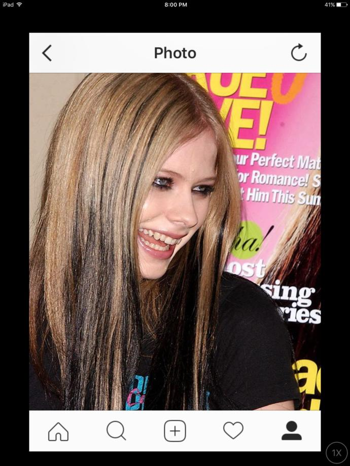 What do u think of Avril Lavignes eyeliner and other girls wearing that style?