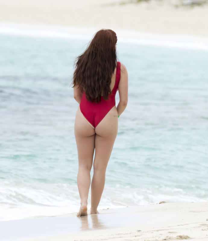 Does Ariel Winter have a nice butt?