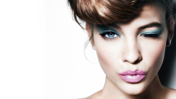 MAKE - UP VS. NATURAL  ? What do you girls like ? And what do you MEN prefer ?