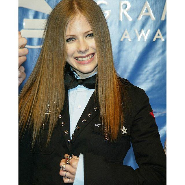 Which Avril Lavigne hair style do u like the best?