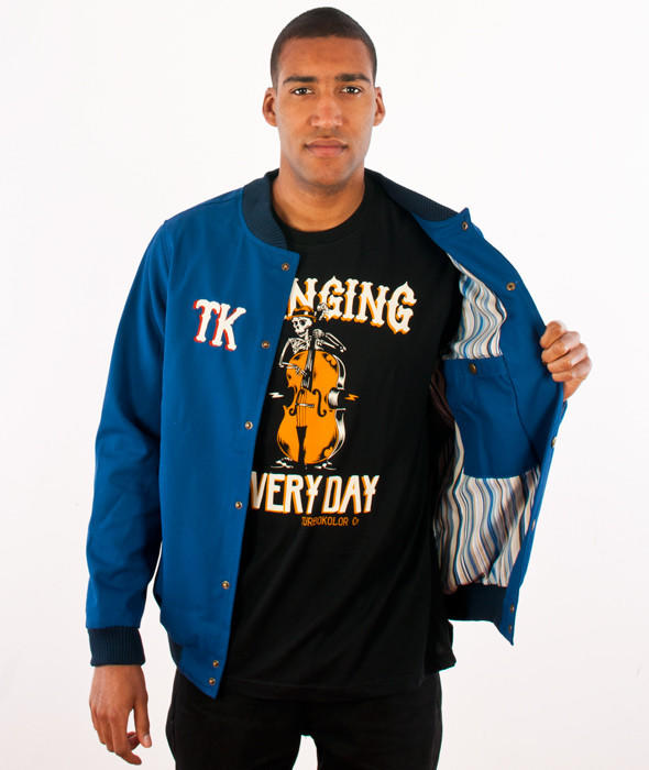 Is this t-shirt attractive? Does it match with jacket?