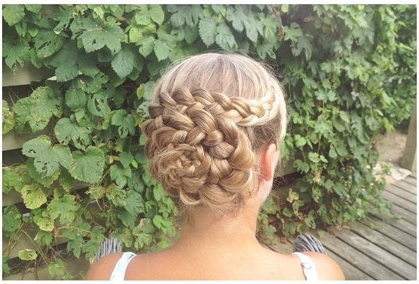 Which hair updo to ball?
