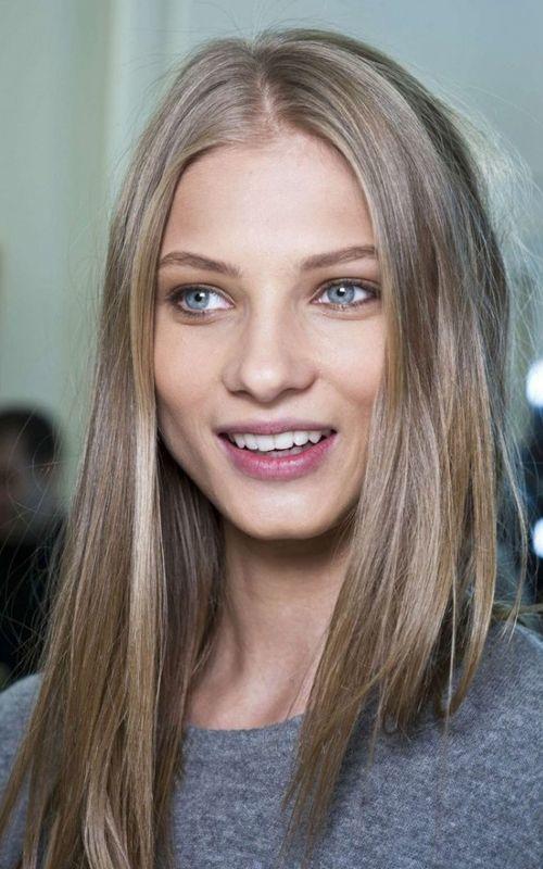 Light brown or dark brown hair?