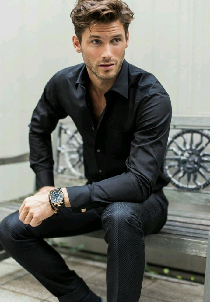 Are black shirt with black pants attractive ?