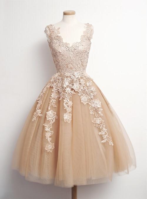 Girls, Do you like vintage dresses?