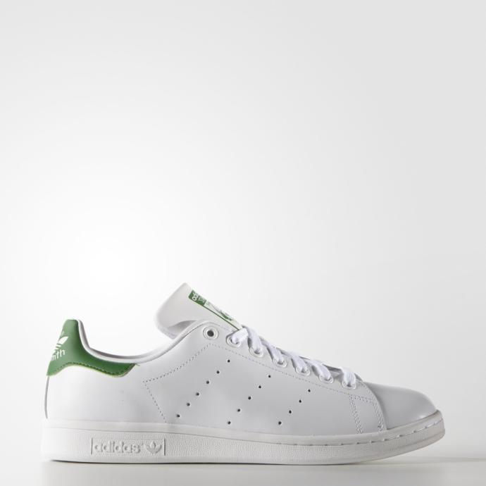 Why almost ALL girls, wear white Adidas Stan Smith lately?