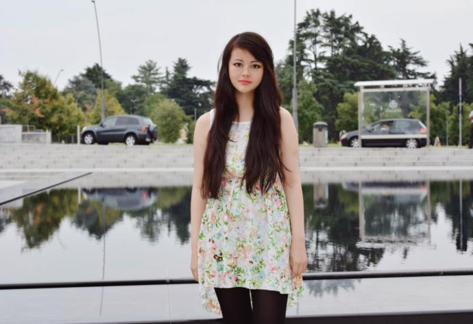 Rate this girl:ugly, average, cute or pretty? How old she looks?