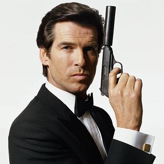 Who's plays a better James Bond? Piers Brosnan or Daniel Craig?