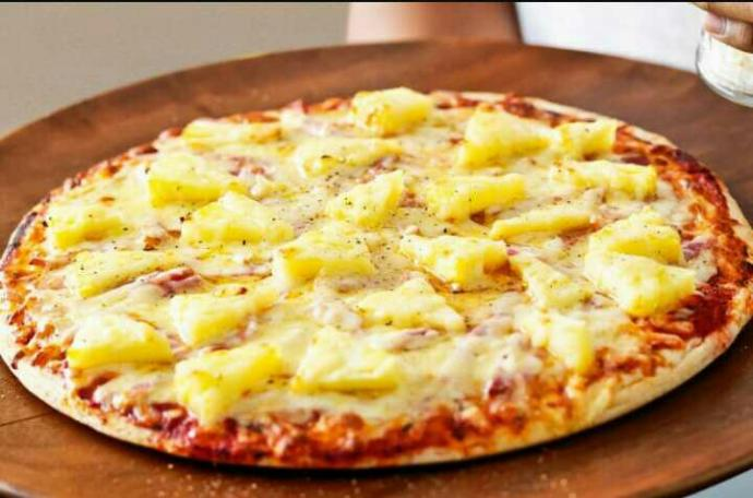 Pineapple on pizza guys!! Yay or nay??