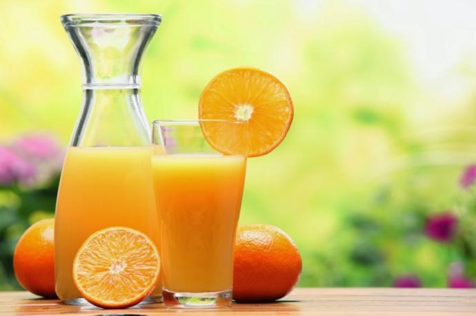 My boyfriend and I are having a debate! Apple juice or Orange juice?