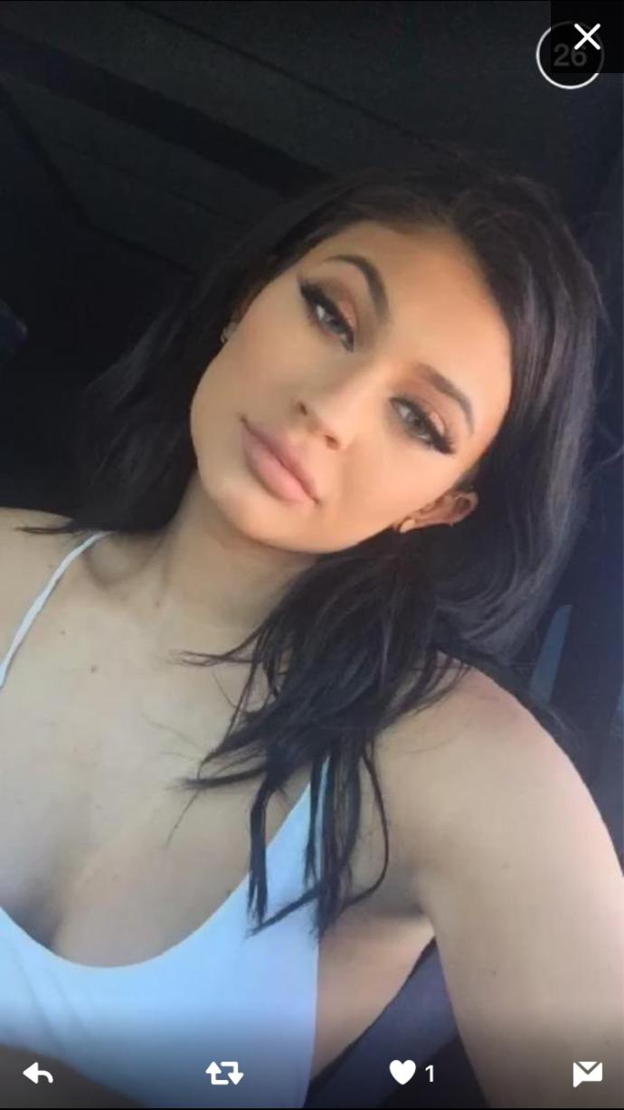 how do you feel about kylie's makeup in this video?