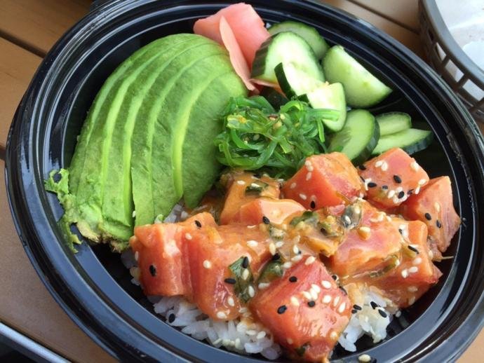 Create your own poke bowl: what condiments would you include in it?