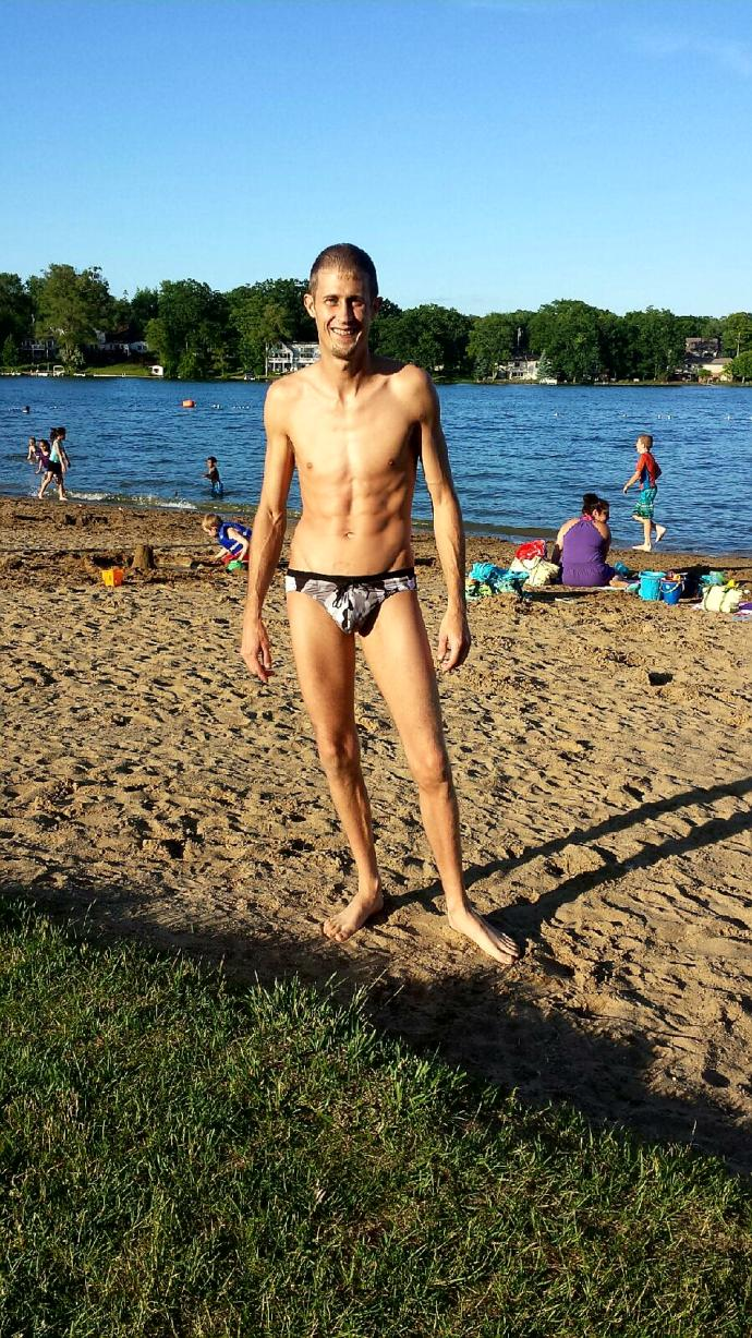 Girls, Can I pull off speedo?