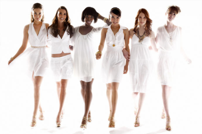 Girls, how do you feel about wearing all white looks from head to toe?