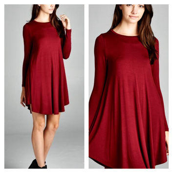 would this dress look alright in summer and with porcelain skin tone?