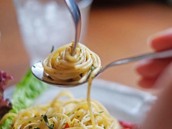 I eat spaghetti like this?