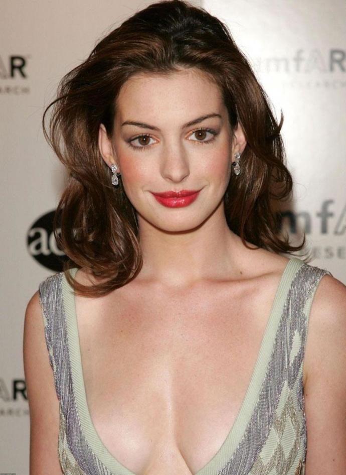 Do you think Anna Hathaway is pretty?