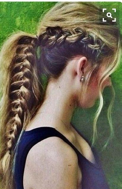 Are braids/updoes prettier than loose hair (pictures)?