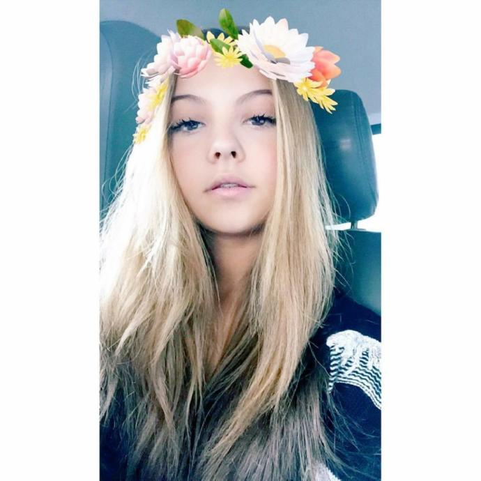 Does a full blonde dye look natural for me?