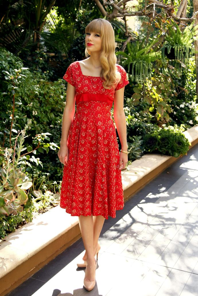 What do you think of vintage romantic dresses?