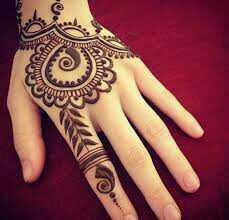 CHOOSE ONE....!!!   MEHENDI OR TATTOO?!!?