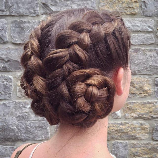 Which hairstyle do you find prettier for a Summer's eve - formal event?