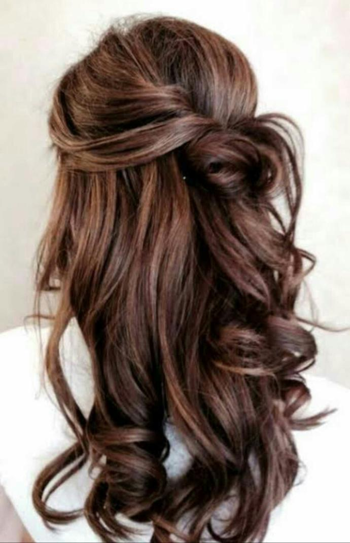 Whats a good hairstyle for a wedding??