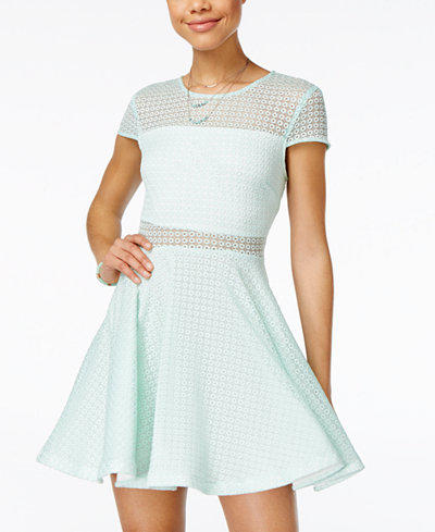 Which of these dresses look prettiest (pictures)?