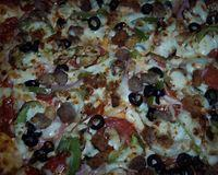Whats your favorite pizza and whats on it??