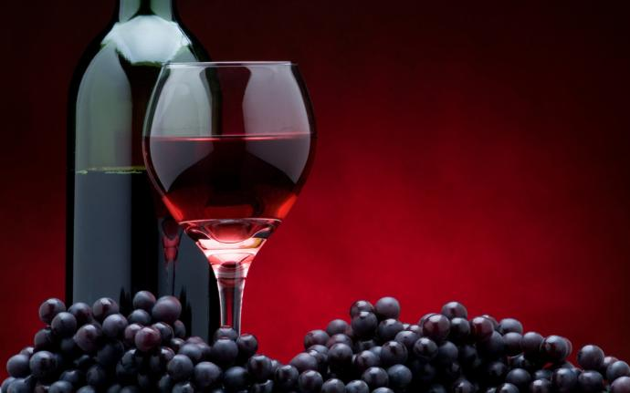 Can drinking a glass of red wine possibly help with a cold?