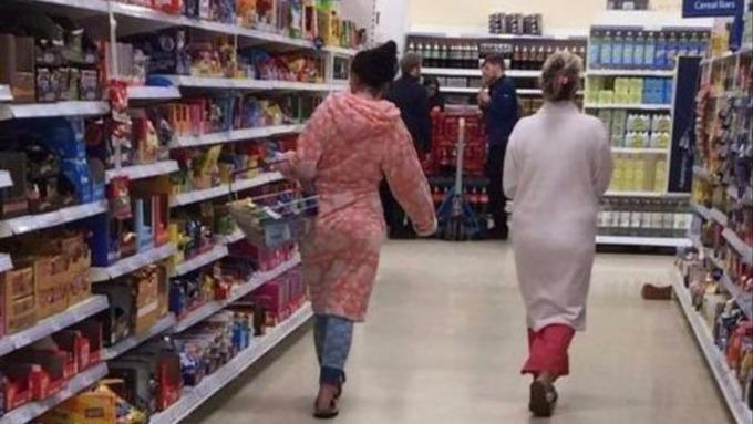 Would you grab groceries (at night) in your pyjamas?