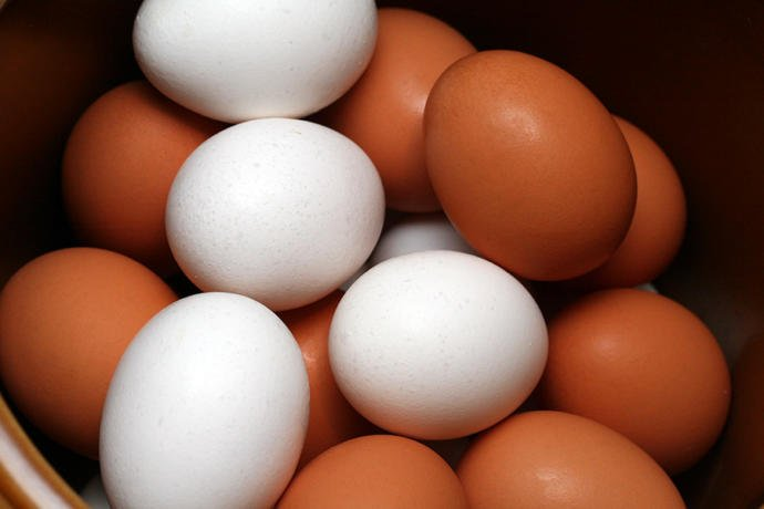 What colour are the eggs sold in your country?