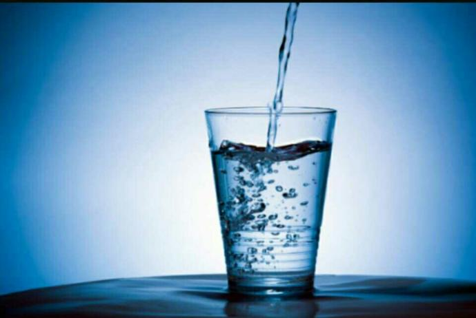 Would u rather have a soda or water??