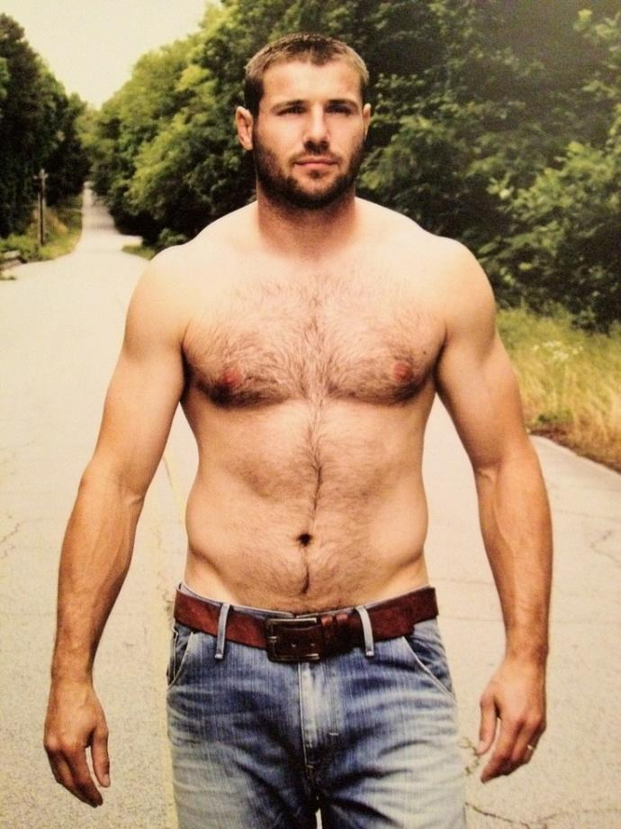 Which of these male body types you prefer the most?