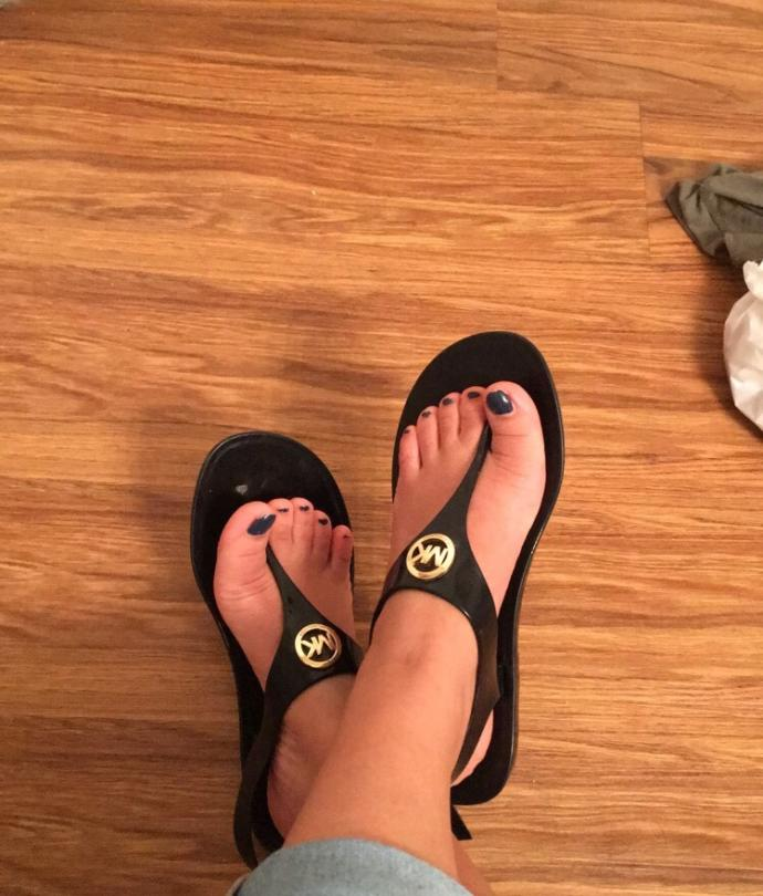 What do you think of sandals like these ugly? Cute? Doesn't matter?