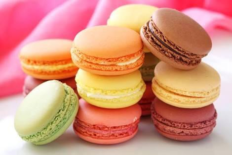 Are macarons better eaten warm or colder?