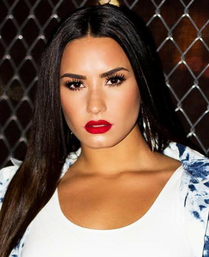 Who is more beautiful? Selena vs Demi?