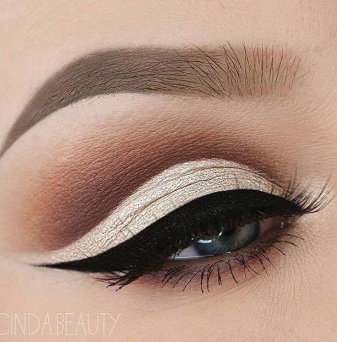Which eye makeup do you prefer?