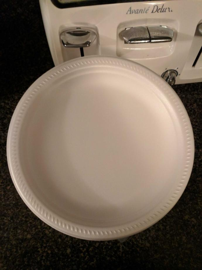 Can foam desert plates go into the microwave??